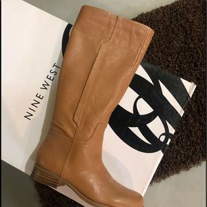 Brand new in box tan leather size 5